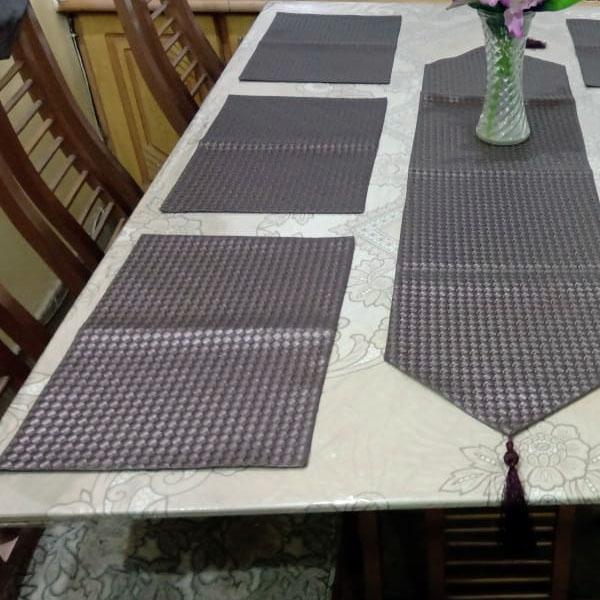 table runner dinning table